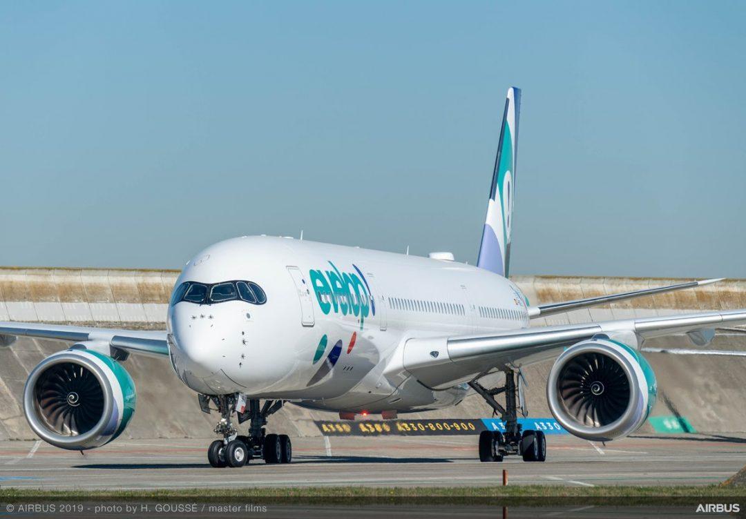 El nuevo A350-900 de Evelop realizando pruebas en las instalaciones de Airbus en Toulouse